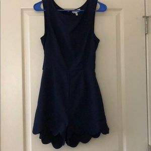 Scallops trimmed navy romper, size M